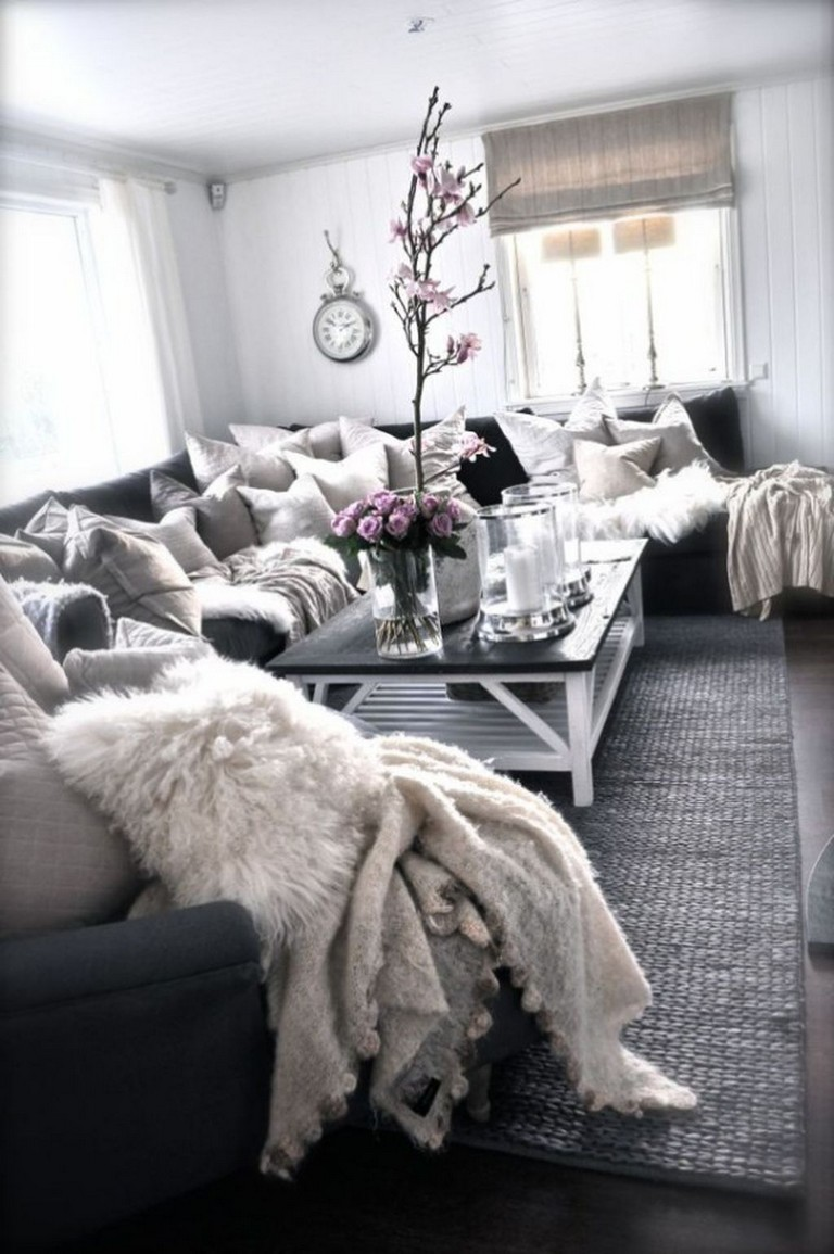 43 Awesome Clean And Fresh Small Living Room Decorating Ideas