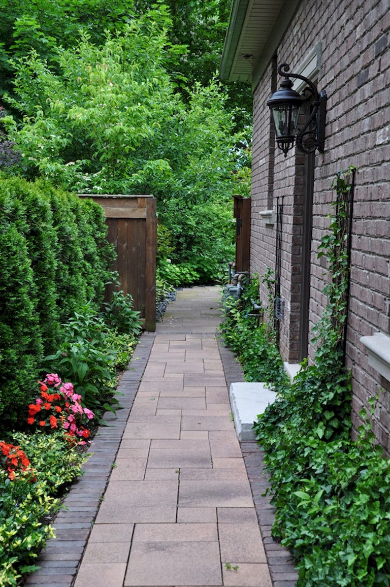 60+ Beautiful Backyard Garden Path & Walkway Ideas On A ... on Side Yard Walkway Ideas id=85534
